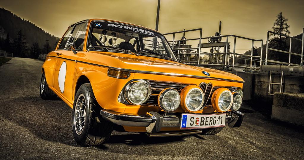Oldtimer-Restauration, Spezial-Lackierung - BMW 2002 TI, Schnitzer Rennwagen - Kfz-Fachbetrieb Preussler in Radstadt, Österreich